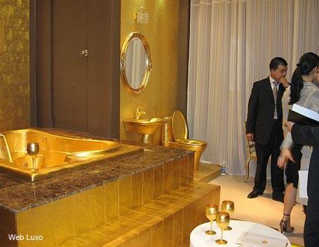banheiros_ouro_web_luxo